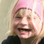 Lisa Marie - Lachendes Maedchen mit geistiger Behinderung